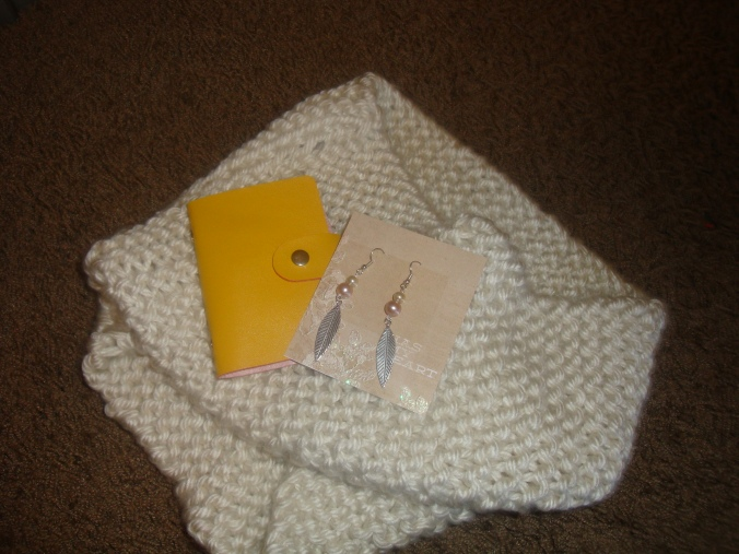 One of my best friends Tessa wasn't able to make it that night, but we were able to meet earlier and she was so sweet to make me this beautiful infinity scarf and earrings! She also gave me an adorable business card holder.